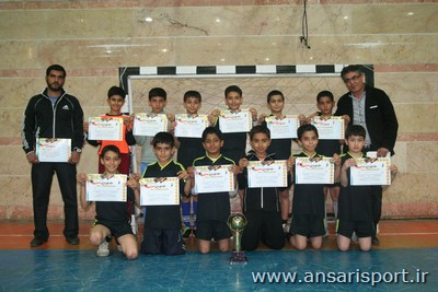 تیم هندبال دبستان کوثر پردیسان
